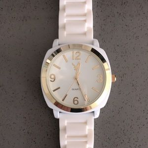 AEO White & Gold 41mm Watch with Silicone Strap ❤️